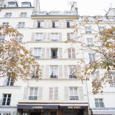 Paris Walk: Place Dauphine