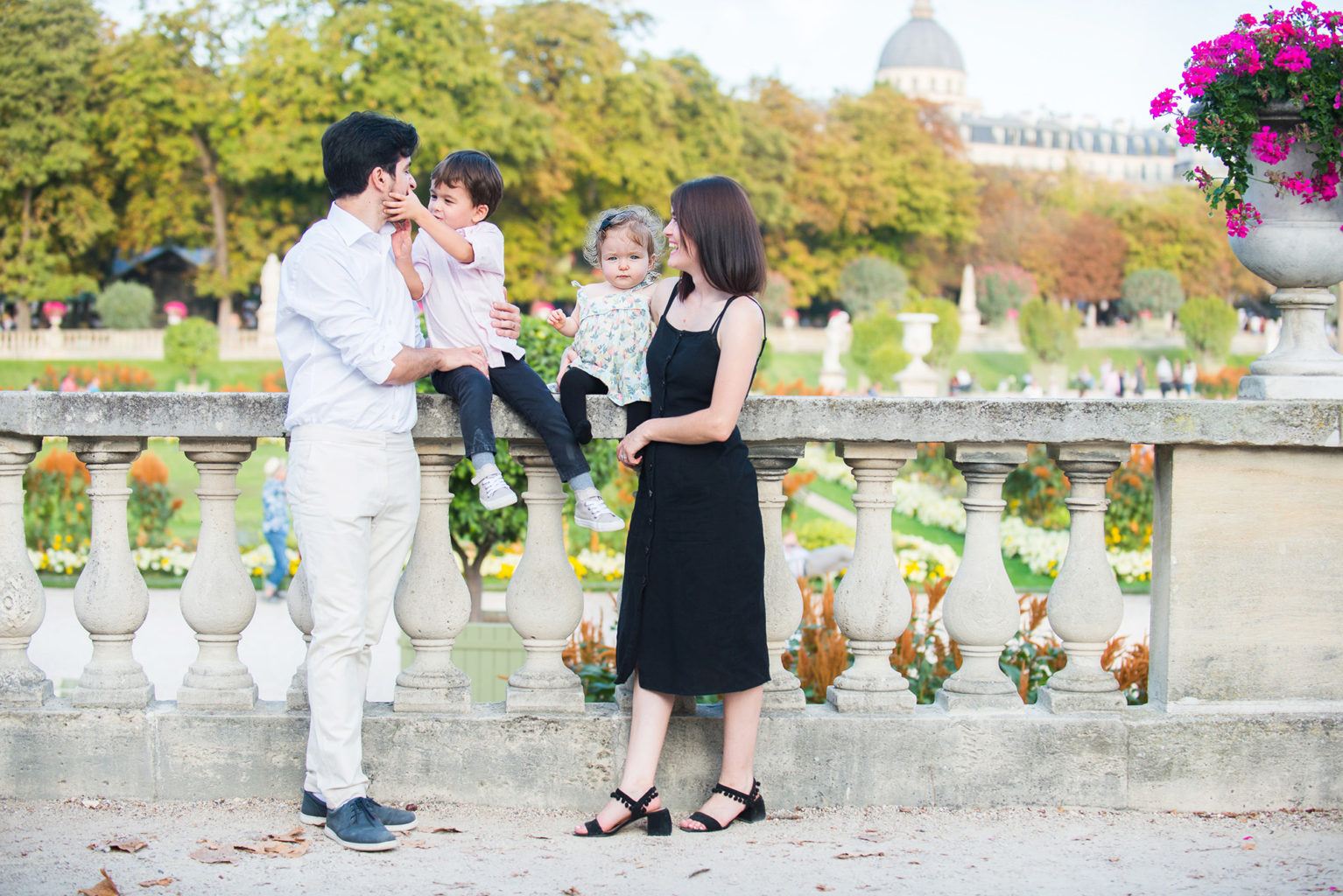 Belkas Family Photo Session in Paris' Jardin du Luxembourg
